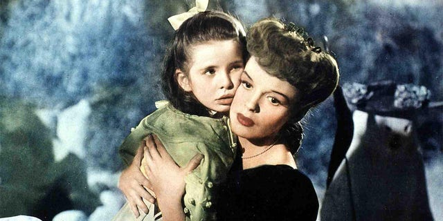 Judy Garland originally didn't want to sing 'Have Yourself a Merry Little Christmas' to Margaret O'Brien because she thought the lyrics were too depressing.