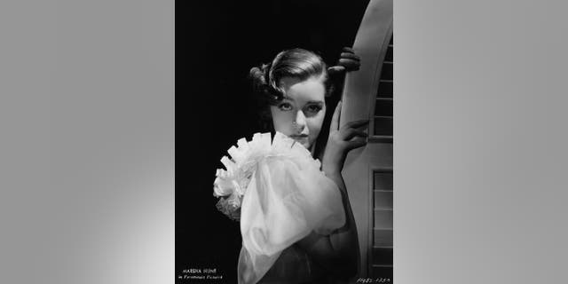 Marsha Huntcame to Los Angeles from New York in 1935 at age 17 with only modeling credits on her resume.