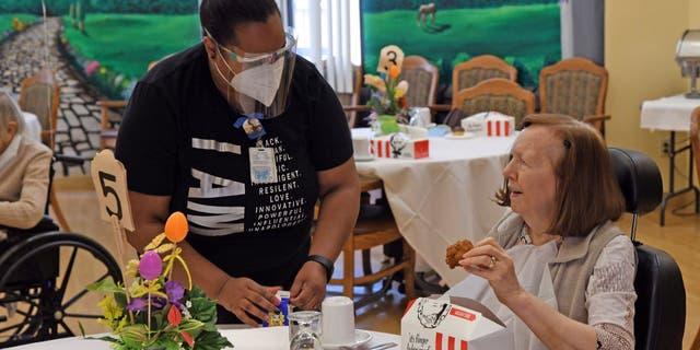 KFCU.S.is donating 11,000 storegift cardsto Meals on Wheels volunteers.(KFC U.S.)