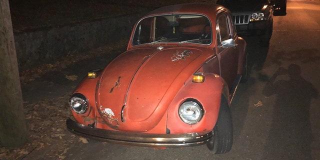 Daphne and John Westbrook may be traveling in this orange 1971 Volkswagen Beetle.