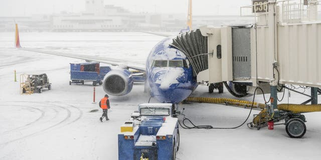 A winter storm forecast for the Rocky Mountains and central High Plains this weekend already has some airlines warning passengers that their travel plans may be disrupted.