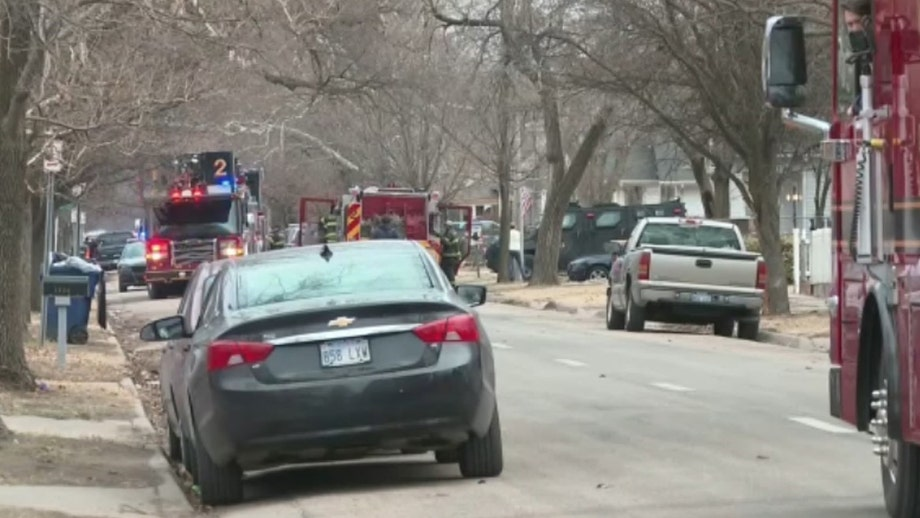 3 Kansas police officers injured by modified shotgun inside vacant home: cops