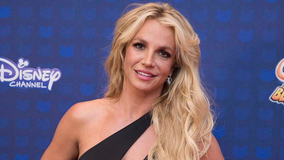 Britney Spears requests that her conservatorship end: 'I just want my life back'
