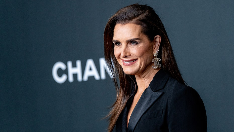 Brooke Shields and her daughter get matching tattoos as a 'special graduation gift'