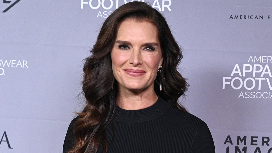 Brooke Shields gives update on difficult recovery from broken femur: 'A lot of weakness'
