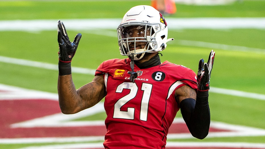 Vikings' Patrick Peterson donates football pads to teammate's HS team in exchange for jersey number