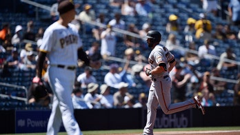 Ruf's homer, Gausman's arm help Giants beat Padres 3-2 in 10