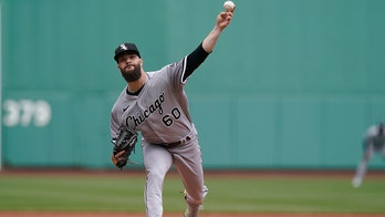 Anderson homers on 1st pitch, White Sox edge Red Sox 3-2