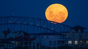 Pink supermoon stuns viewers across the world