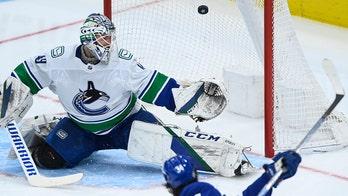 Matthews scores his 36th, Maple Leafs beat Canucks 4-1