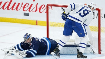 Spezza scores in shootout, Maple Leafs beat Jets 2-1