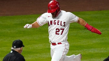 Trout, Pujols lead Angels' late rally past White Sox, 4-3