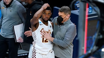 Oklahoma agrees to bring in Loyola's Moser as coach