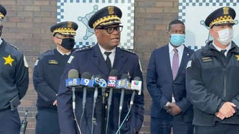 Chicago police brass request vaccine updates from personnel, may deny benefits to officers choosing to retire