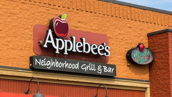 Applebee's customer attacks cook with bicycle, cops find dynamite in bag