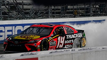 Martin Truex Jr. wins NASCAR Martinsville race