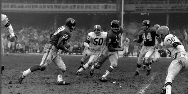 Pete Hall (12) played one season for the Giants. (Photo by NY Daily News Archive via Getty Images)