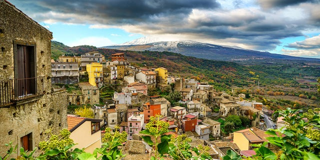 Castiglione di Sicilia has reportedly seen its population plunge through the last hundred years, from a bustling 14,000 people in the early 20th century to a slim 3,000 today.