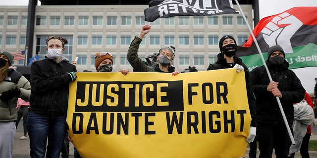 Minnesota unrest after Daunte Wright shooting death leads to 60 arrests, police say