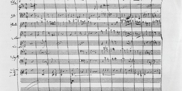 Handwritten manuscript of Symphony No. 40 K 550 in G minor, by Wolfgang Amadeus Mozart (1756-1791). Austria, 18th century. Vienna, Gesellschaft Der Musikfreunde. (Photo by DeAgostini/Getty Images)