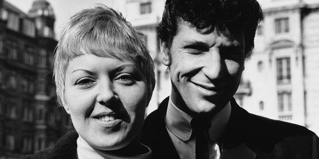 Singer Tom Jones and his wife Linda.