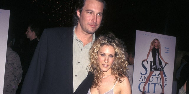 John Corbett is reprising his role of Carrie Bradshaw's ex-fiancé, 에이단 쇼. for the 'Sex and the City' reboot. (Ron Galella Collection via Getty Images)