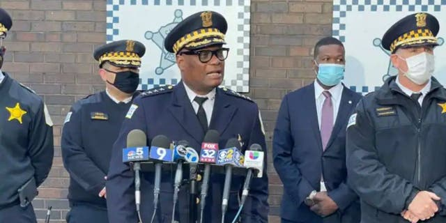 Chicago Police Superintendent David Brown addresses reporters about a suspect in the killing of a 7-year-old girl earlier this year, 当局者は言った.