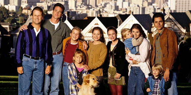 'Full House' case from left: Dave Coulier (Joey), Bob Saget (Danny), Jodie Sweetin (Stephanie), Mary Kate Olsen (Michelle), Candace Cameron (D.J.), Andrea Barber (Kimmy), Blake Tuomy-Wilhoit (Nicky), Lori Loughlin (Rebecca), Dylan Tuomy-Wilhoit (Alex), John Stamos (Jesse).