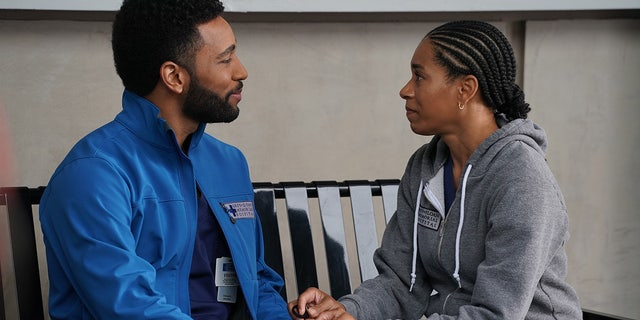 Maggie Pierce (Kelly McCreary) and Winston Ndugu (Anthony Hill) during Thursday night's episode of 'Grey's Anatomy.'