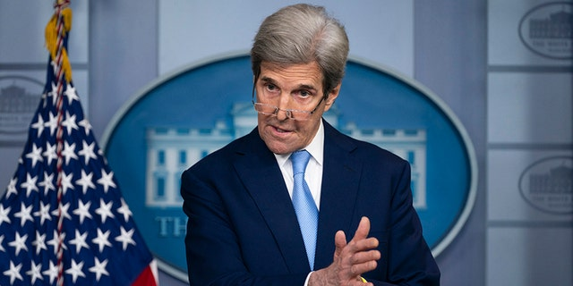 John Kerry calls claims he told Iranians about Israeli actions in Syria 'unequivocally false'