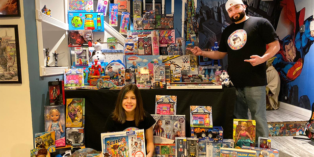 Miguel and Illiana Figueroa host ToyQuest101 (Courtesy: Miguel Figueroa)