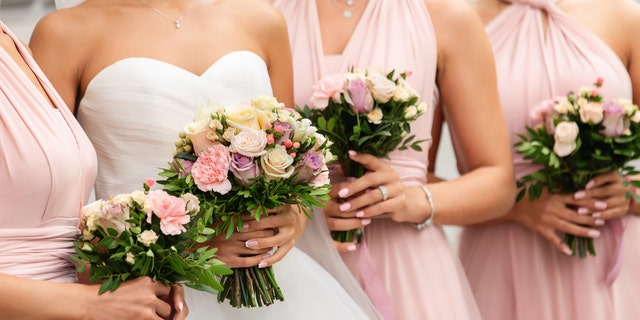 A Texas bride got married on Sunday with five bridesmaids who she met on an app and through other local connections.