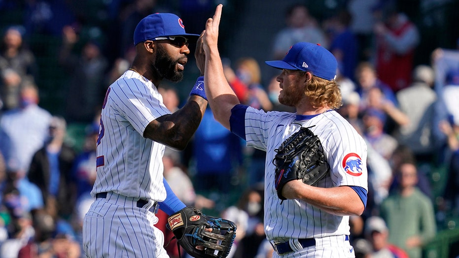 Cubs break out of slump, slip by reeling Pirates 4-2