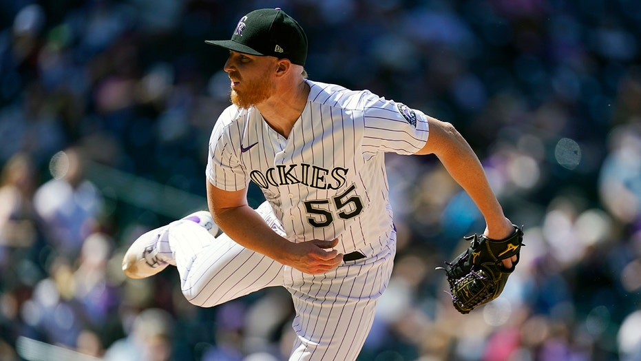 Gray takes no-hitter into 7th, Rockies beat D-Backs, 7-3