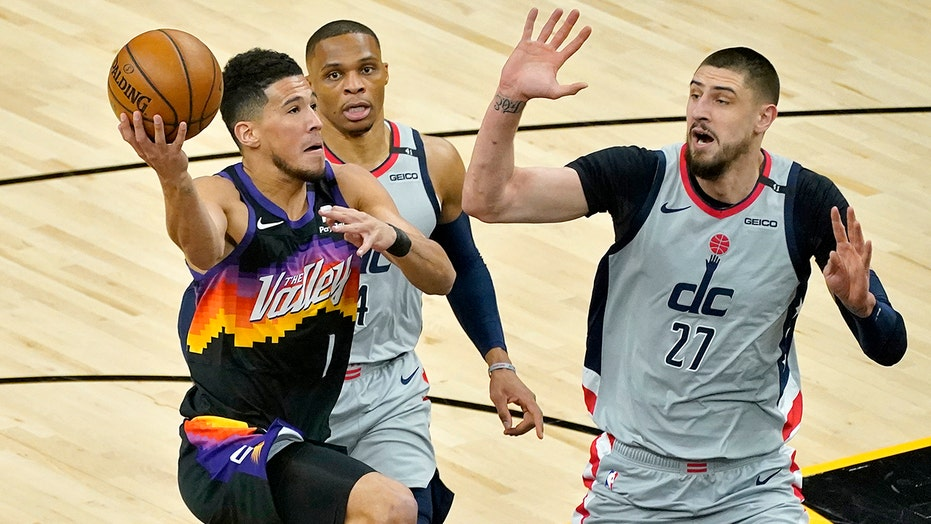Devin Booker scores 27 points, Suns rout Wizards 134-106