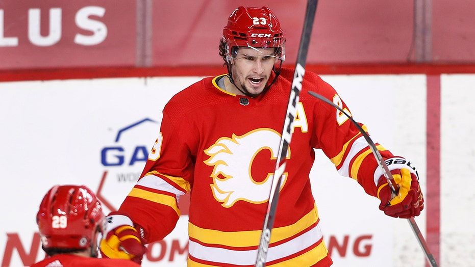 Markstrom blanks Oilers as Flames win 5-0
