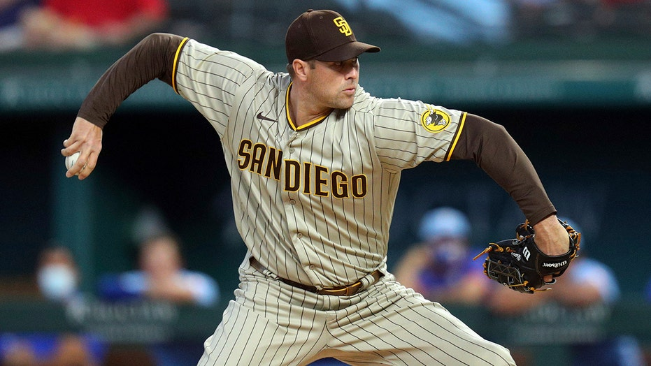 Bullpen shines as Padres blank Rangers for 3-game sweep