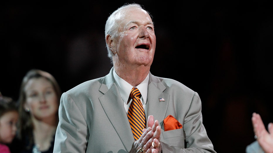 Bobby 'Slick' Leonard, 88, Pacers Hall of Fame coach, dies