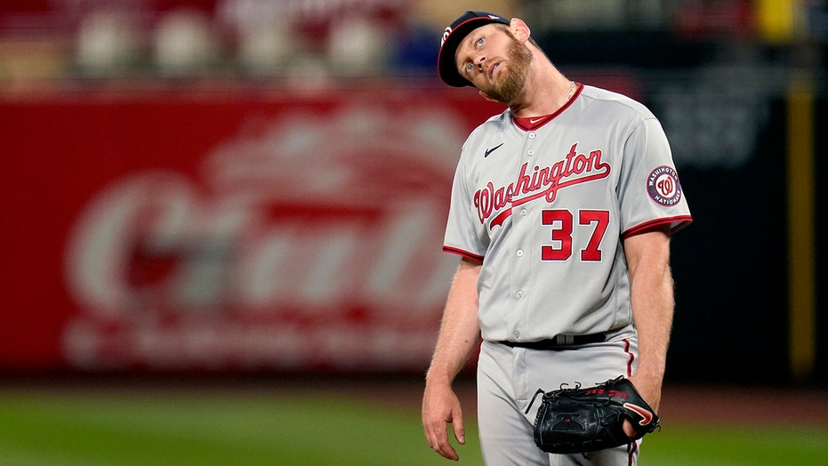 Nats put Strasburg on IL with right shoulder inflammation