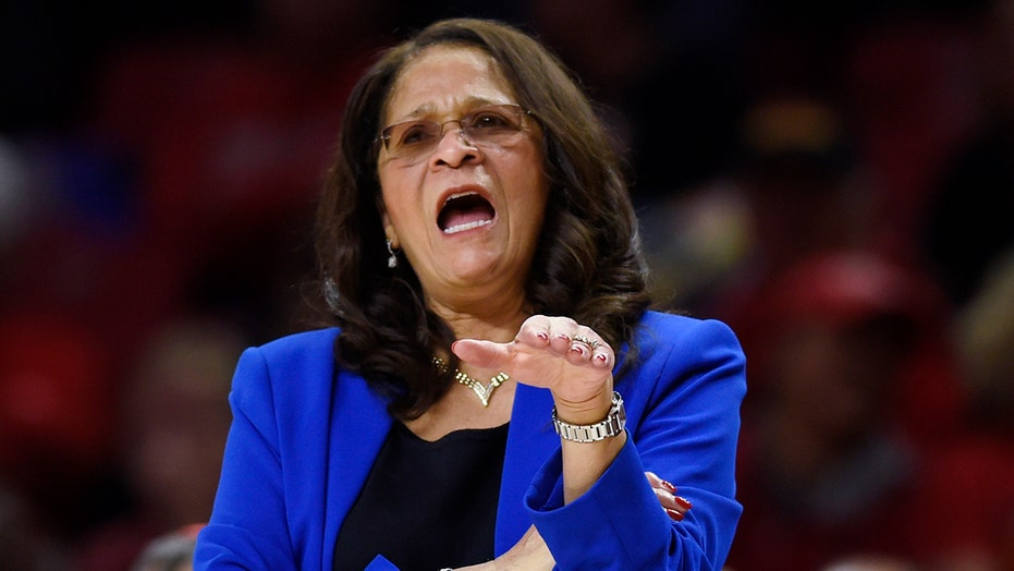 C. Vivian Stringer signs 5-year extension with Rutgers