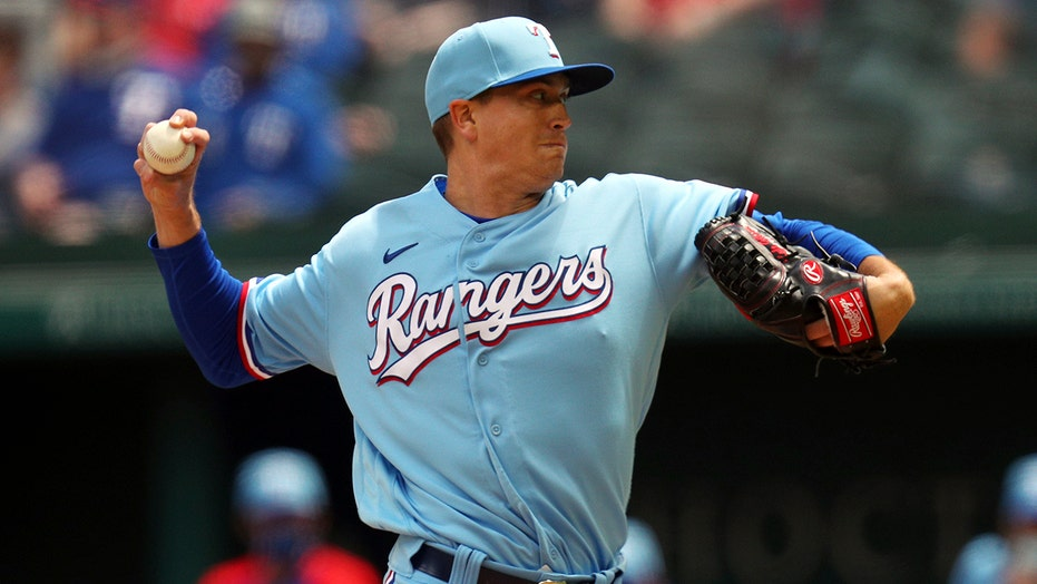 Rangers beat O's 1-0 in 10 in duel of opening day starters