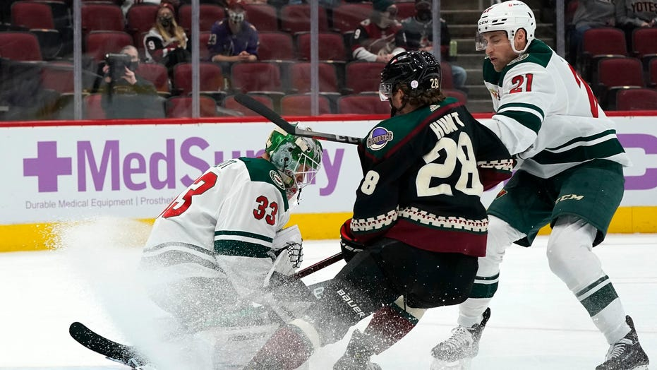 Talbot stops 22 shots, Wild beat Coyotes 5-2