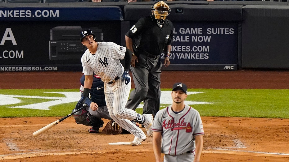 Yanks stop 5-game skid, beat Braves 3-1 on wild pitch, walk