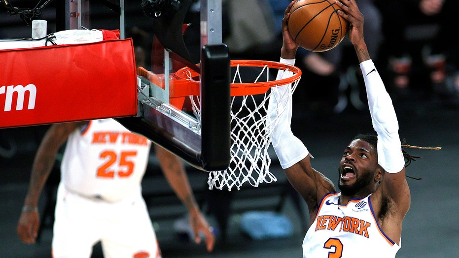 Knicks beat Hornets 109-97, run winning streak to 7 games