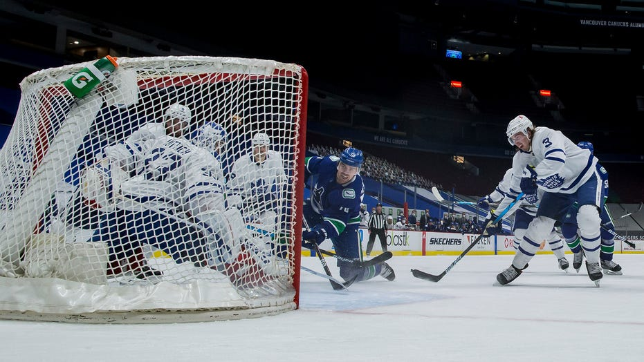 Pearson, Sutter score 2 each as Canucks beat Maple Leafs 6-3