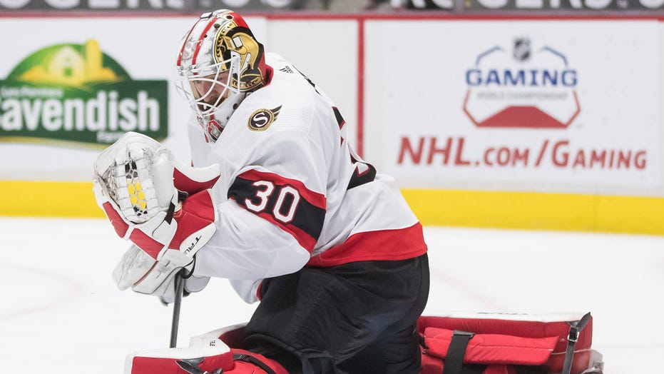 Murray gets another shutout, Senators beat Canucks 3-0