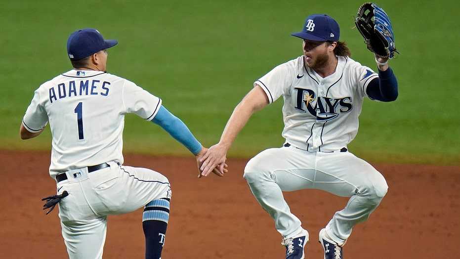 Rays benefit from costly Biggio error, beat Blue Jays 5-3