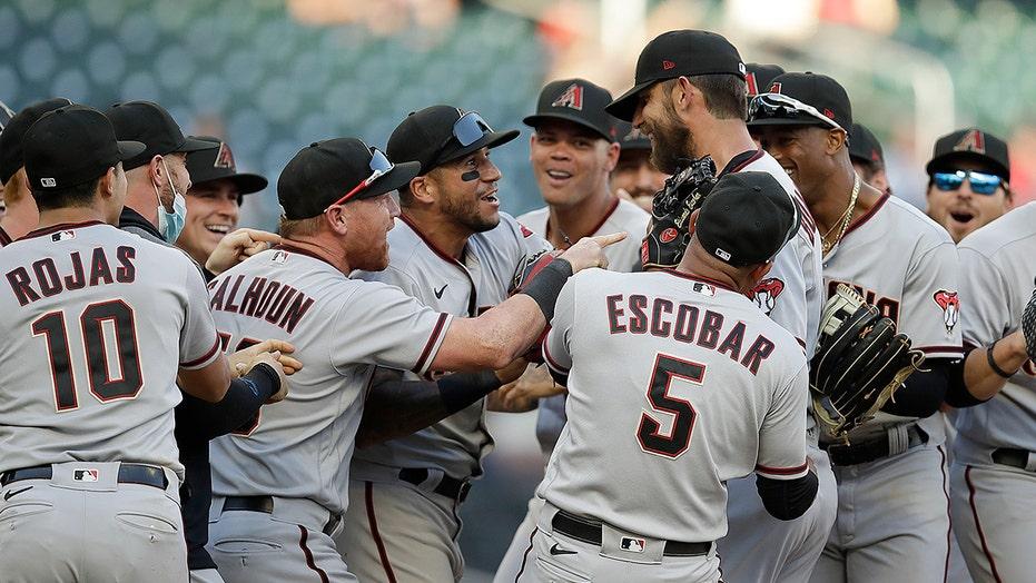 Bumgarner pitches 7-inning no-hitter, Arizona sweeps Braves