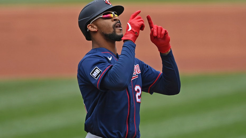Garver homers twice, Twins connect 6 times to blast Indians