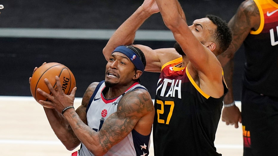 Wizards snap Utah's 24-game home winning streak, win 125-121